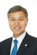 """""""지방분권 시대 앞두고 더욱 올곧은 목소리 기대"""""""