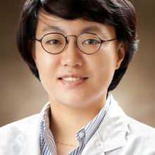 얼굴 흉터, 체계적 치료 프로토콜로 개선 효과 입증